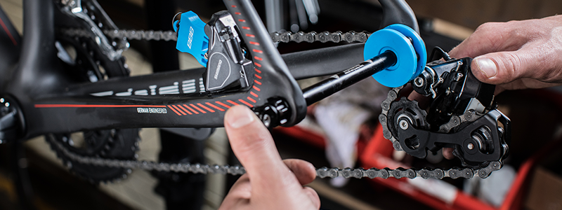 How to Tighten a Bike Chain [in 6 Easy Steps]