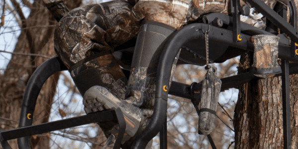 The 5 Best Ladder Stands For Bowhunting [Reviewed]