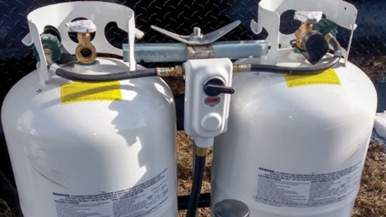 Trailers Flame King 2-Stage Auto Changeover LP Propane Gas Regulator with Two 15 Inch Pigtails for RVs Vans