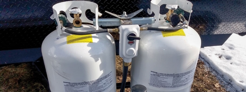 The 5 Best Dual Propane Tank Regulators – [Reviews & Rankings]