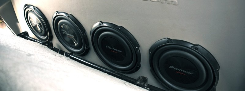 The 10 Best Shallow Mount Subwoofers – [Reviews & Rankings]