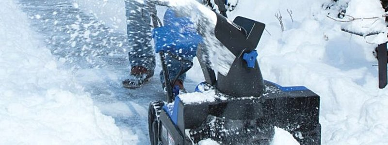 The 5 Best Battery Powered Snowblowers [Reviewed]