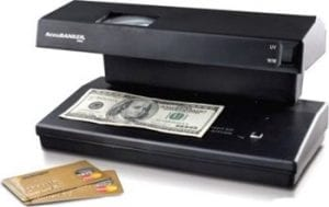 The 5 Best Counterfeit Money Detectors of 2019 [Reviewed]