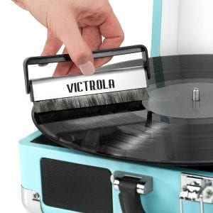cleaning vinyl records