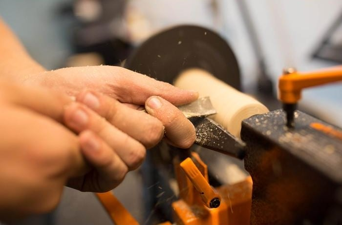how to use wood lathe