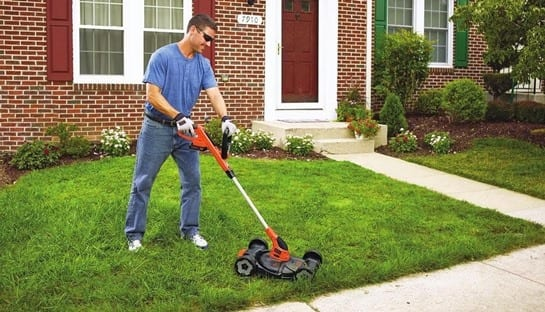 Black Decker MTC220 Review – The Best Lawn Trimmer Around?
