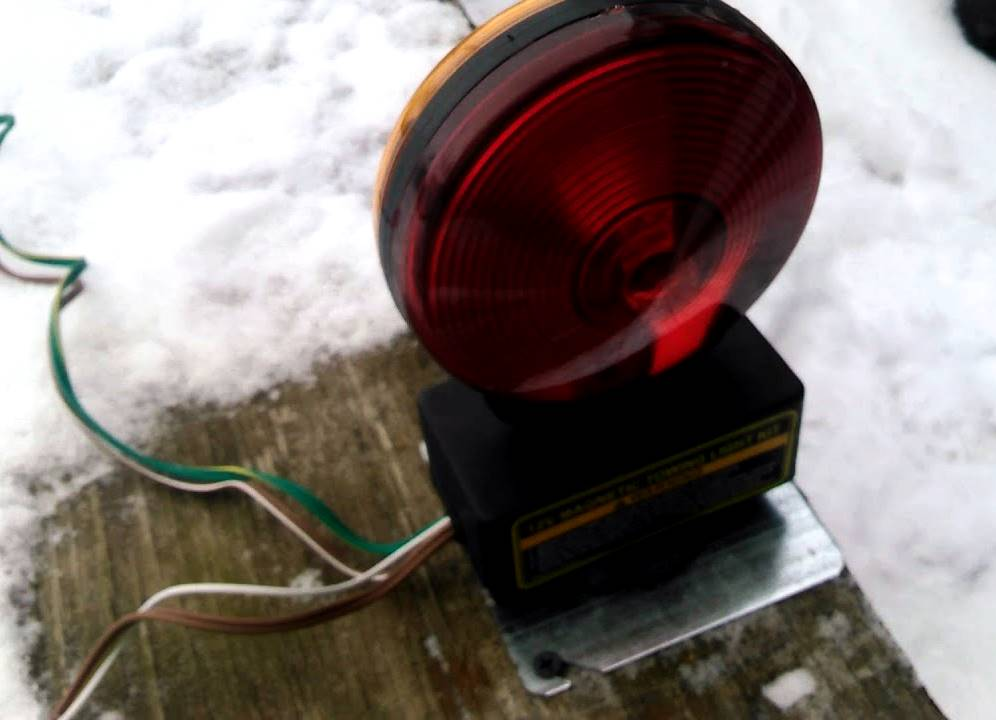 Best Magnetic Trailer Lights Buying Guide