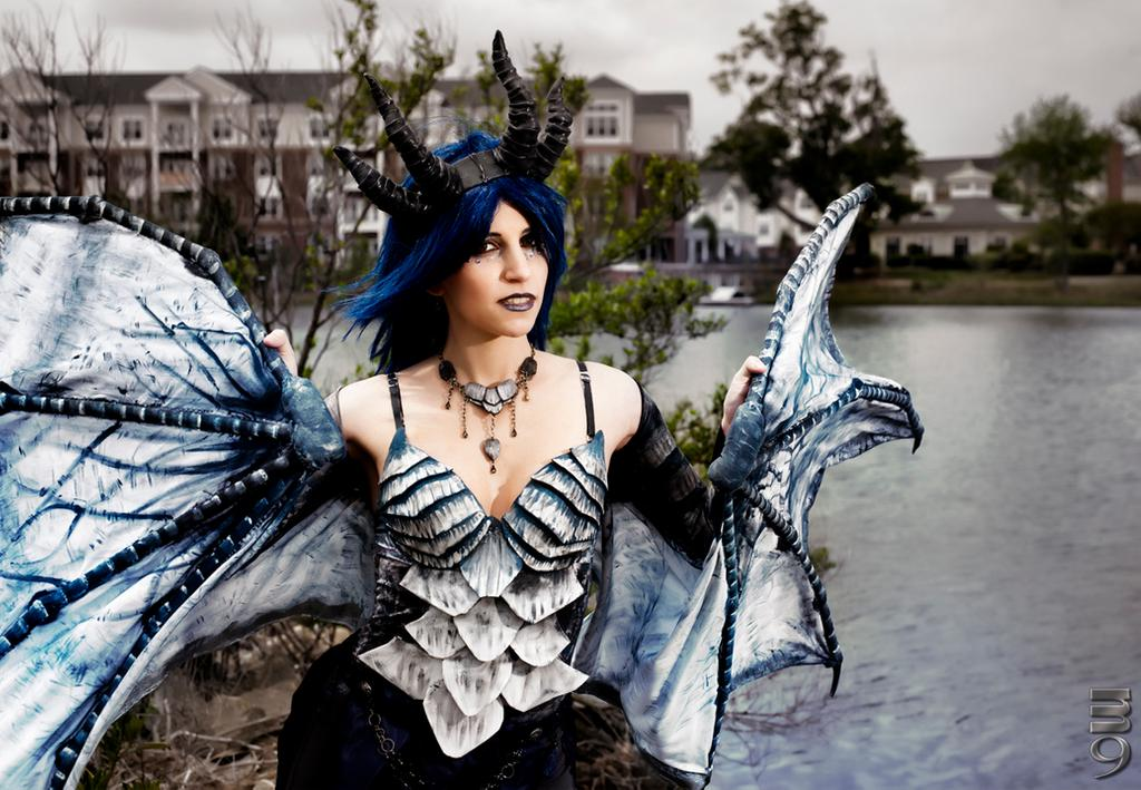 frost_dragon_cosplay